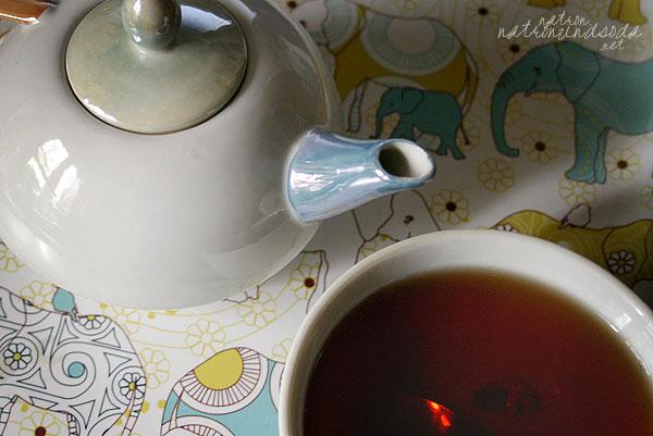 Elefantöses Teetablett